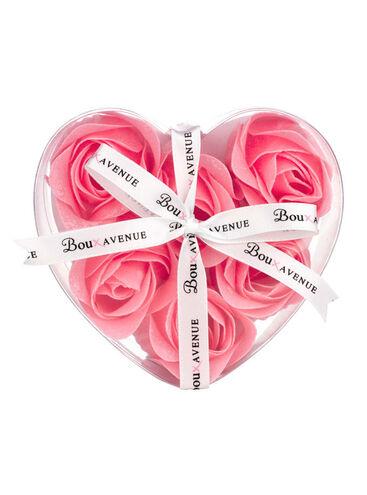 Rosebud bath petals