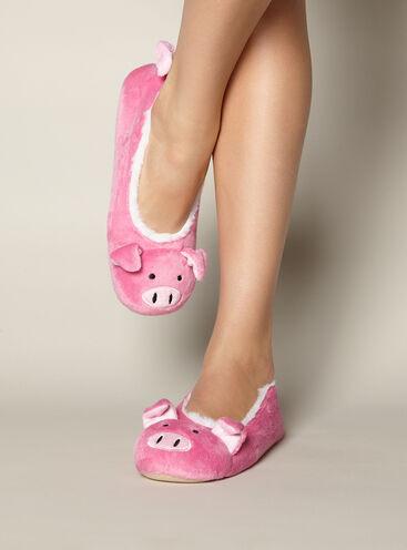 Pretty pig slippers