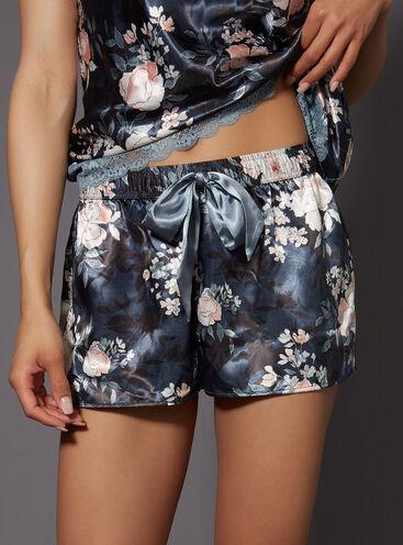 Vintage floral printed shorts