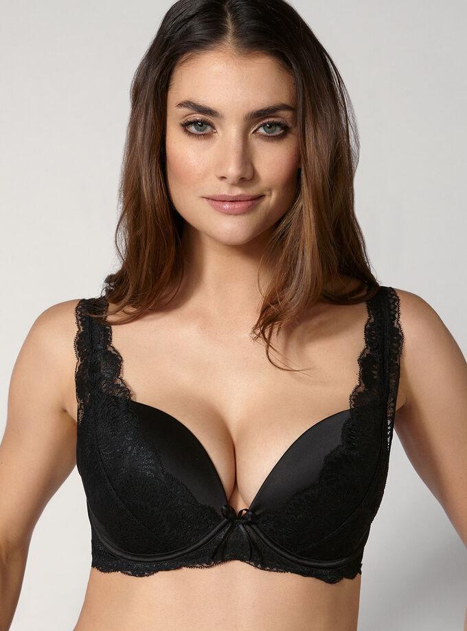 Dominique plunge bra. Model wears size 32E 21a4ec849