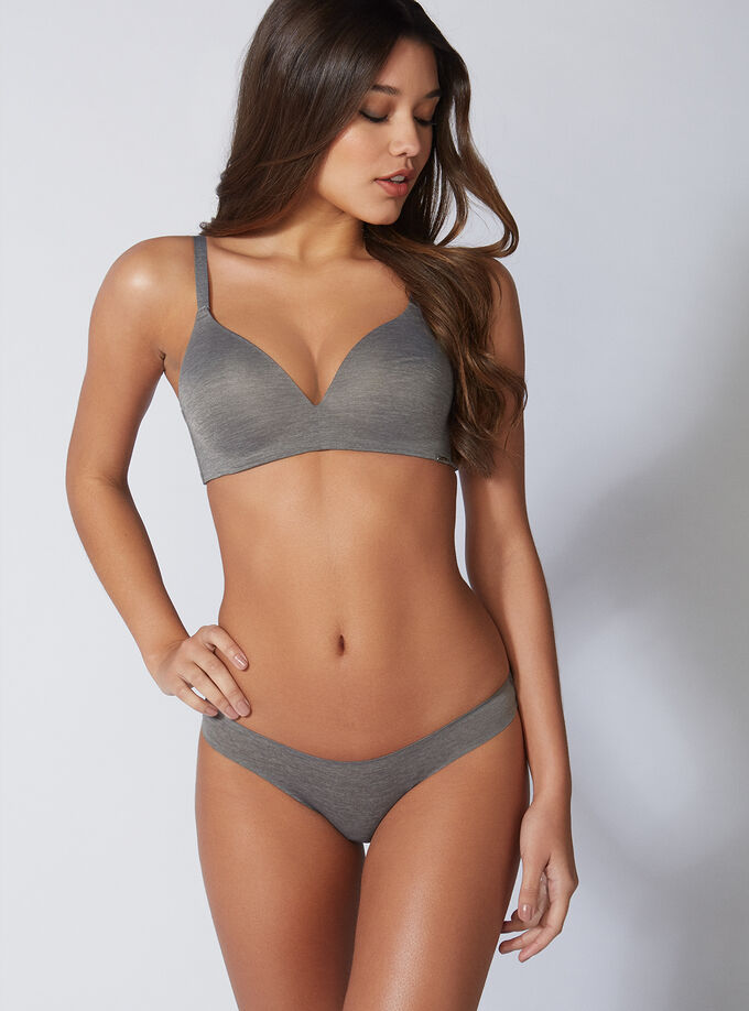 be4b66cd56 Non-wired lounge bra. Model wears size 32C